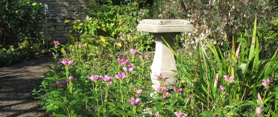 CN_Autumn_Gardens_sundial